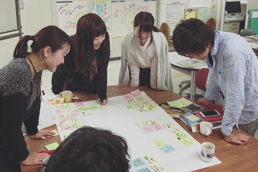 学生たちが活動を考えるワークショップの様子